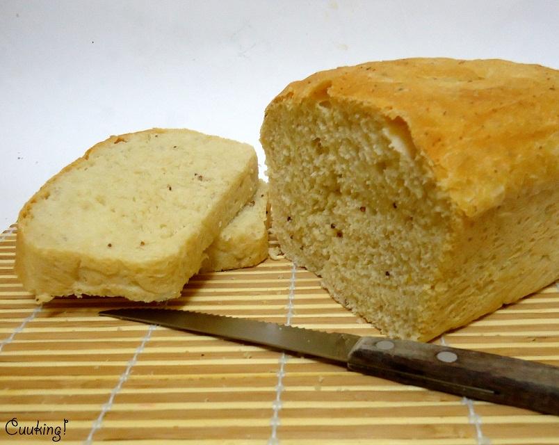 Pan de molde con mostaza y ajo