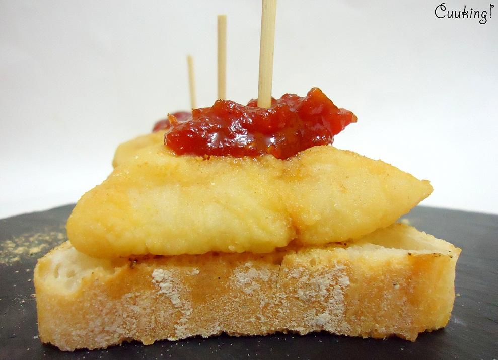 Merluza frita con mermelada de tomate
