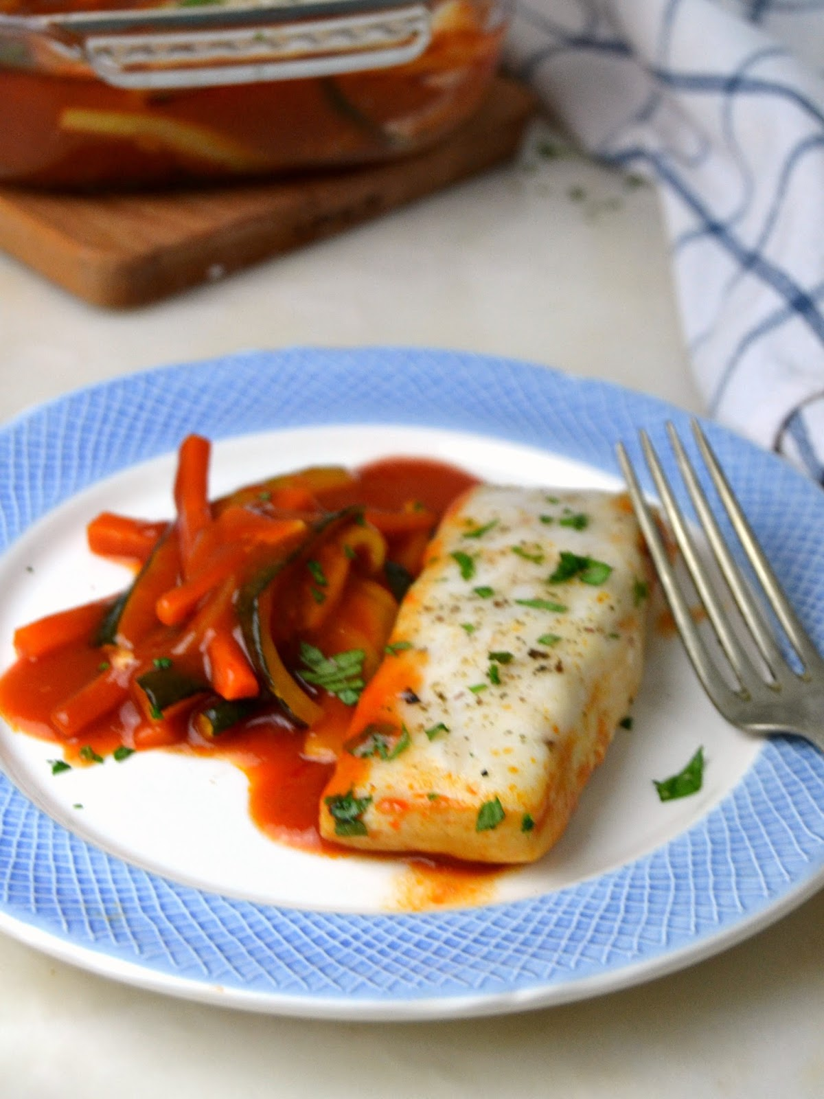 Merluza con tomate al horno ¡Fácil, sana y deliciosa!