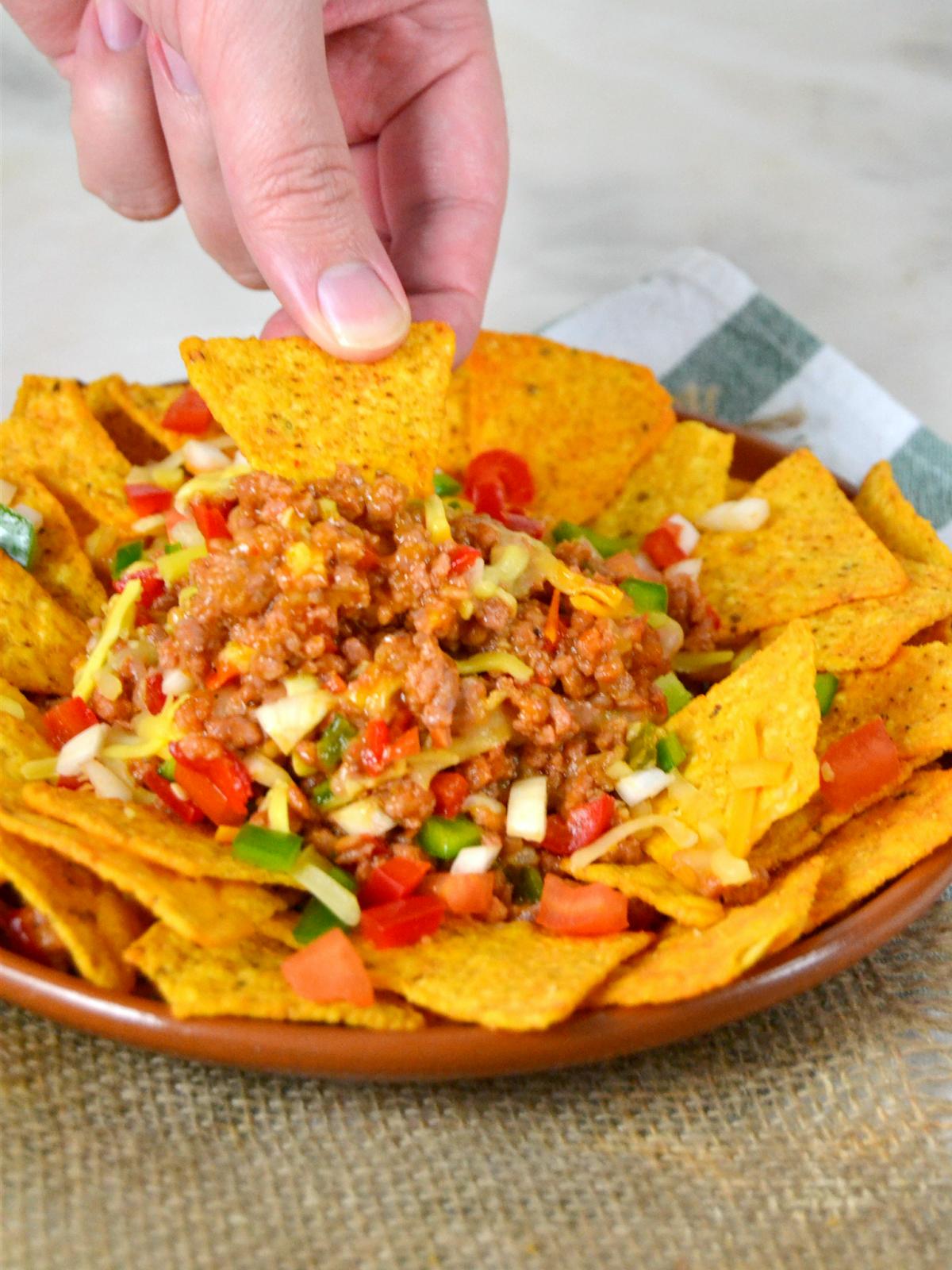 Nachos con carne. Receta fácil de cocina mexicana