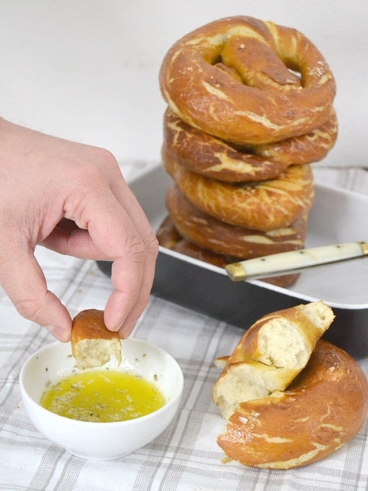 receta de pretzels. Panecillos alemanes