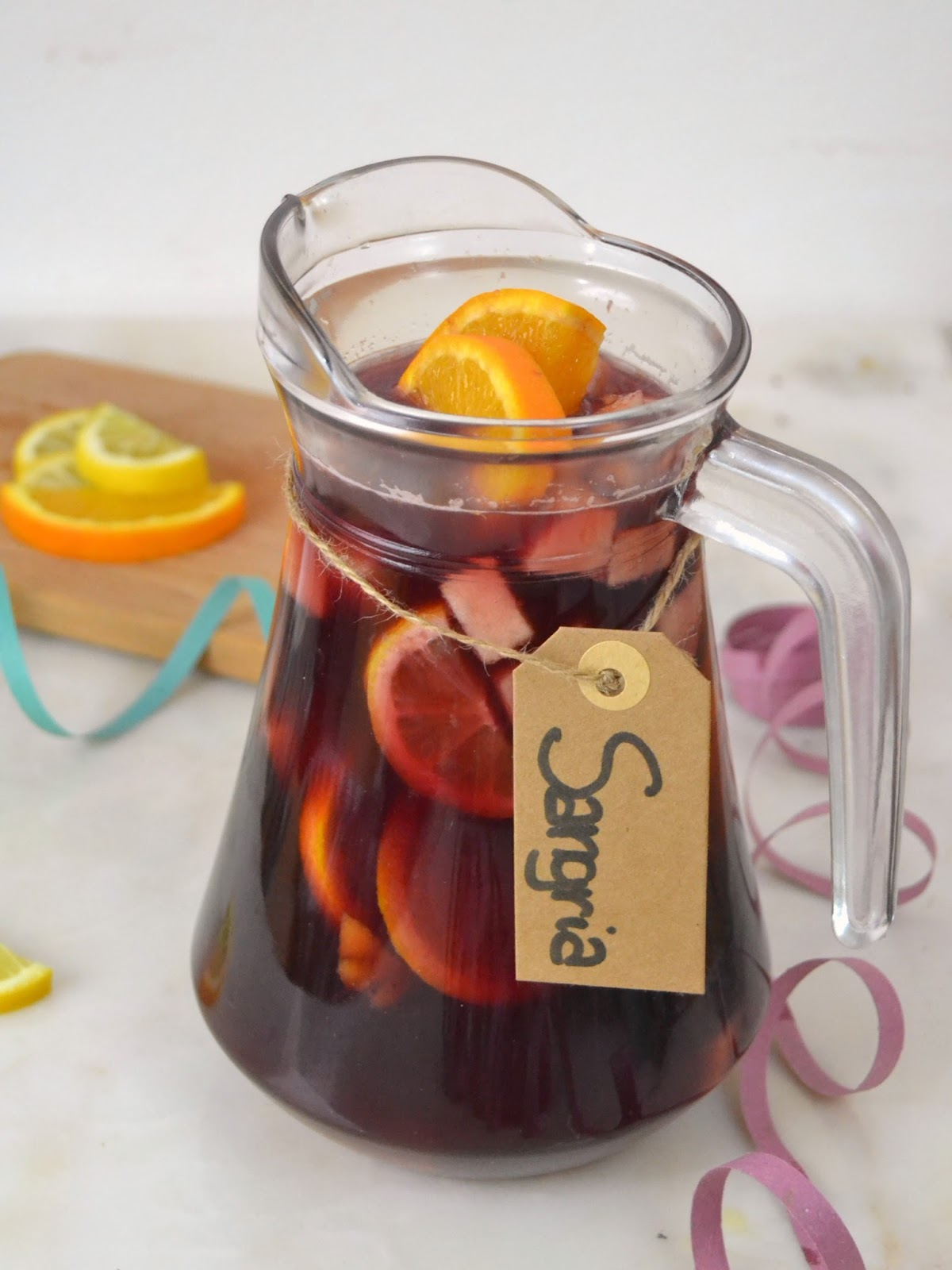 Cómo preparar sangría. Bebida típica española