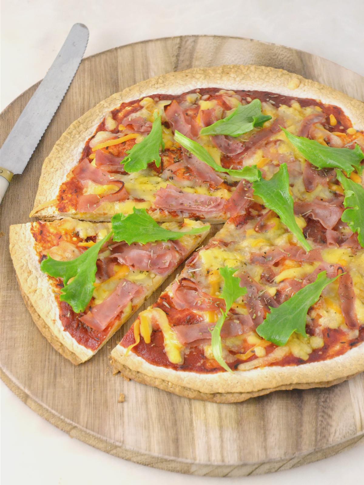 Fajipizza. Pizza con base de tortillas de trigo