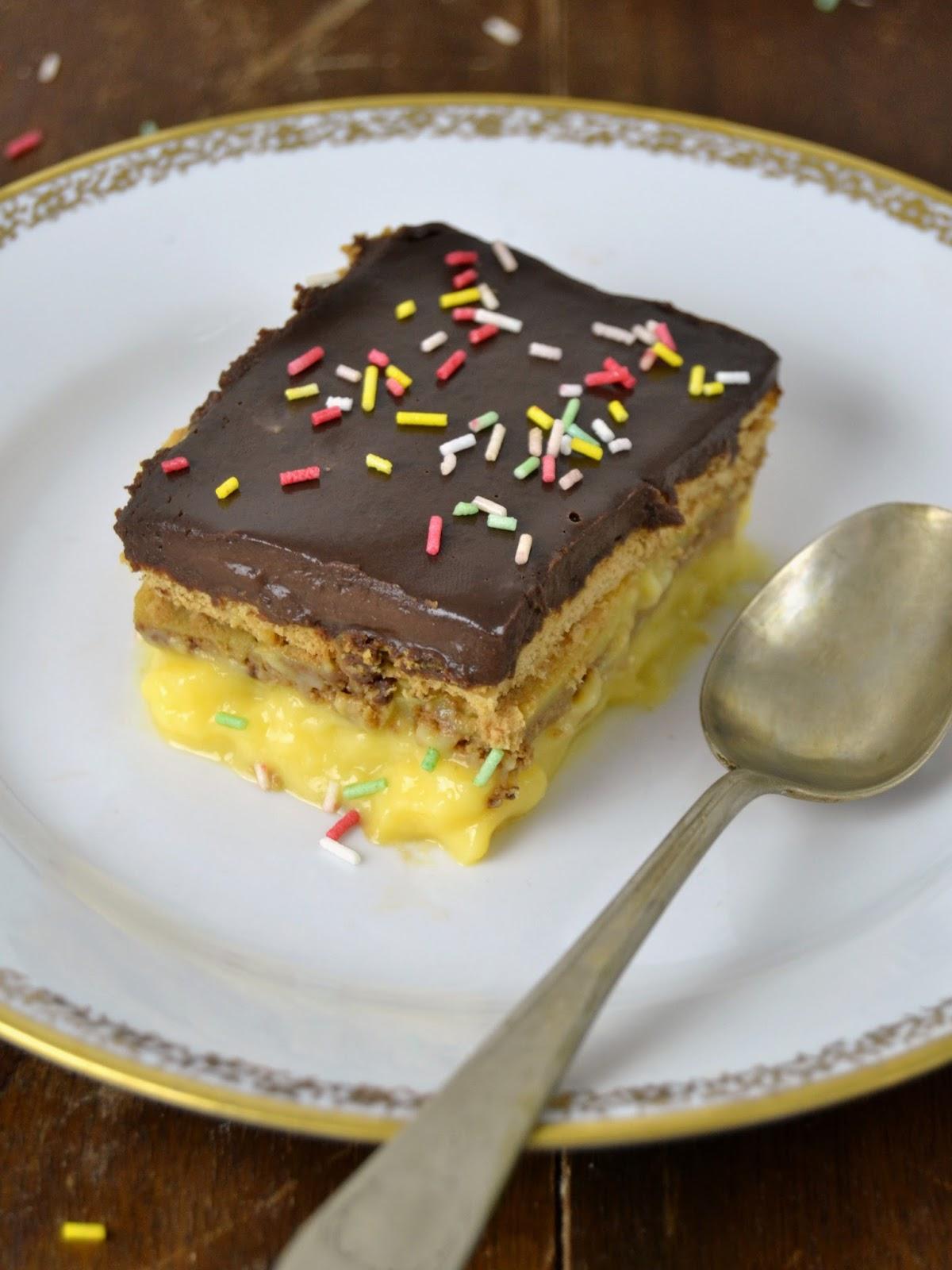 Tarta de flan, galletas y chocolate. tarta de la abuela
