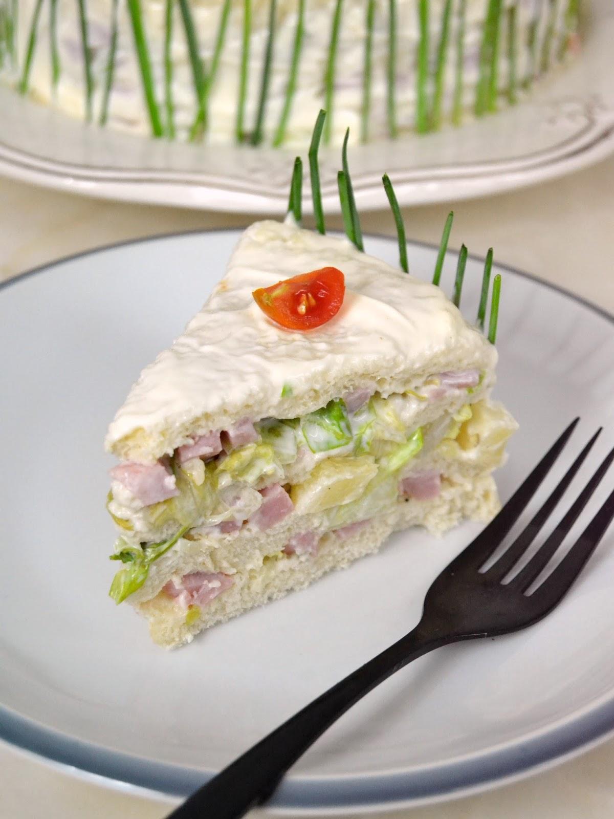 Tarta salada de jamón york y piña con pan de molde