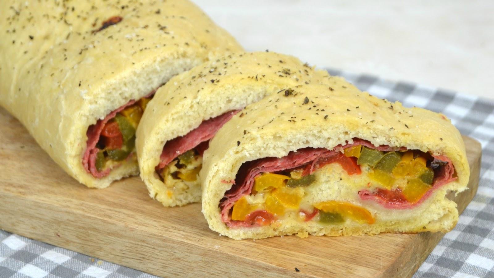 Stromboli o pizza enrollada