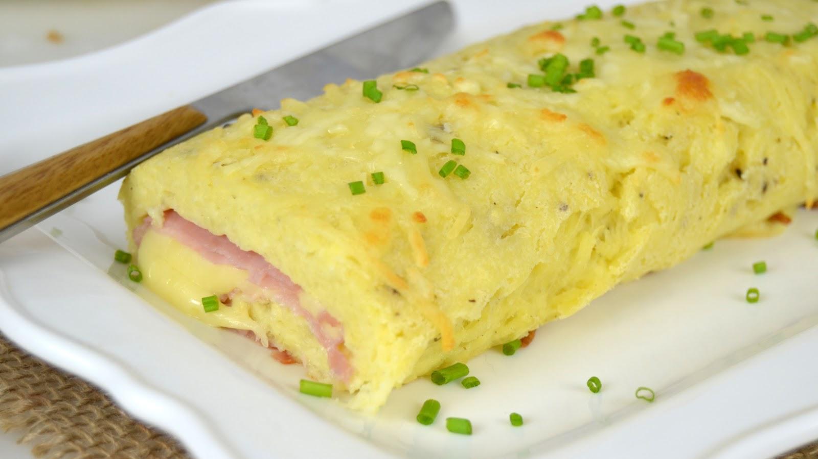 Rollo de patata relleno de jamón y queso