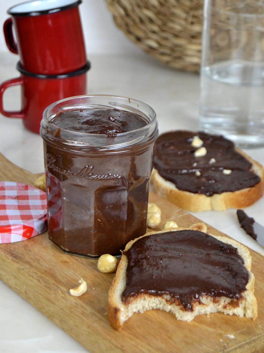 """""""Nutella"""" casera. Crema de chocolate y avellanas"""